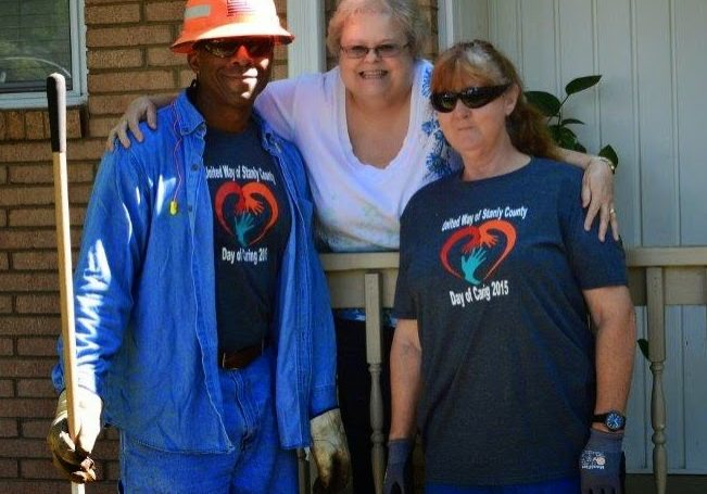 United Way Day of Caring volunteers partnering with OASIS